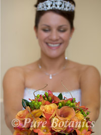 Autumn theme wedding bouquet for bride
