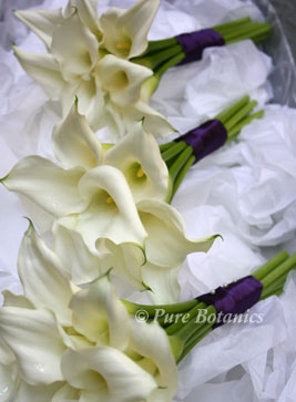 calla lily hantied bouquets for a wedding