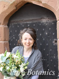 Delivering wedding flowers to Kenilworth Castle Gatehouse