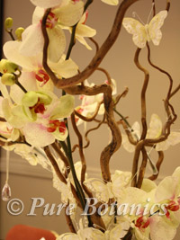 tall wedding centrepiece - close up