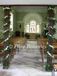 pillar-flower-decorations-at-stjames-church