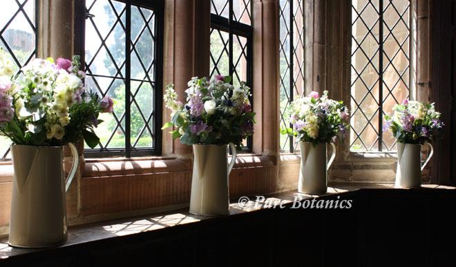 jugs-window-sill-kenilworth-castle