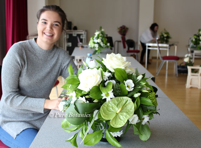 Table arrangement created by a student at the floristry masterclass at Wawick Arts Centre.