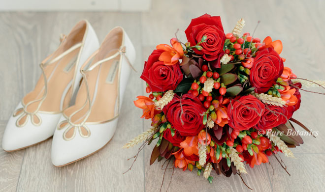 Autumn bridal bouquet at Whethele Manor, Leamington Spa.