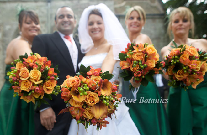 Wedding bouquets for an autumn wedding.