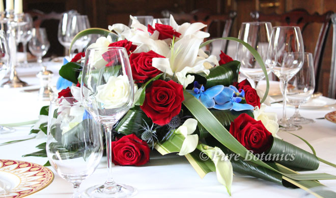 red-rose-ivory-lily-table-centrepiece